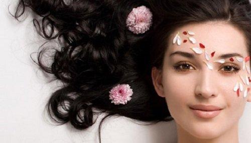 Anh đào cũng là loài hoa làm đẹp da thường xuyên được các chuyên gia khuyên dùng