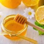 Xóa thâm mụn bằng hỗn hợp nước cốt chanh và mật ong