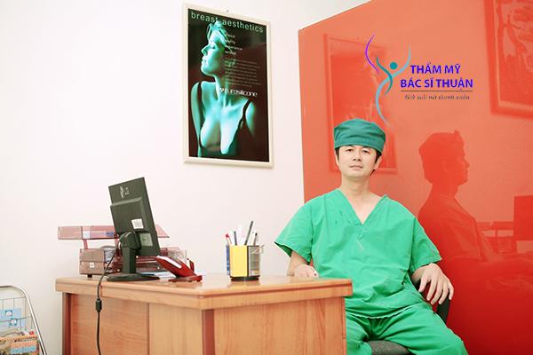 Bác sĩ cắt mí mắt tại TP. HCM