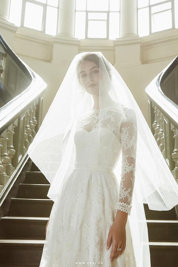 Váy cưới đẹp tại tphcm nên kết hợp với khan voan nào?