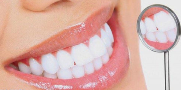 Bọc răng sứ mang lại vẻ đẹp tự nhiên, khiến bạn rạng rỡ, tự tin hơn, hoàn toàn không đau, không gây hại cho răng thật